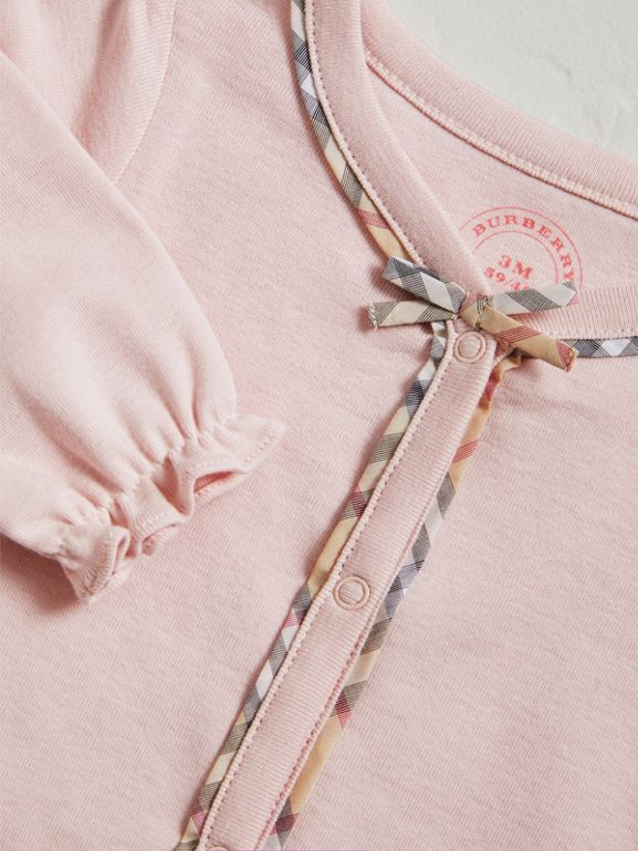 Check Cotton Three-piece Baby Gift Set in Powder Pink | Burberry - cell image 1