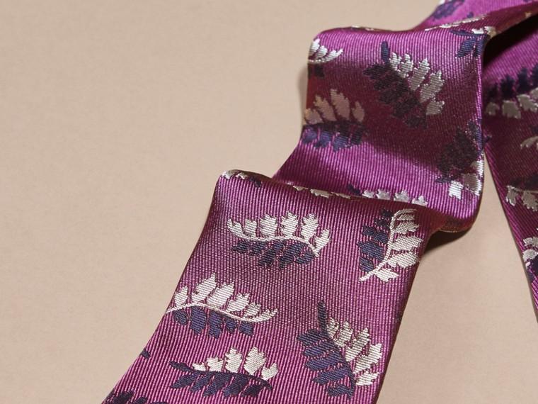 Fuschia Modern Cut Leaf Jacquard Silk Tie - cell image 1