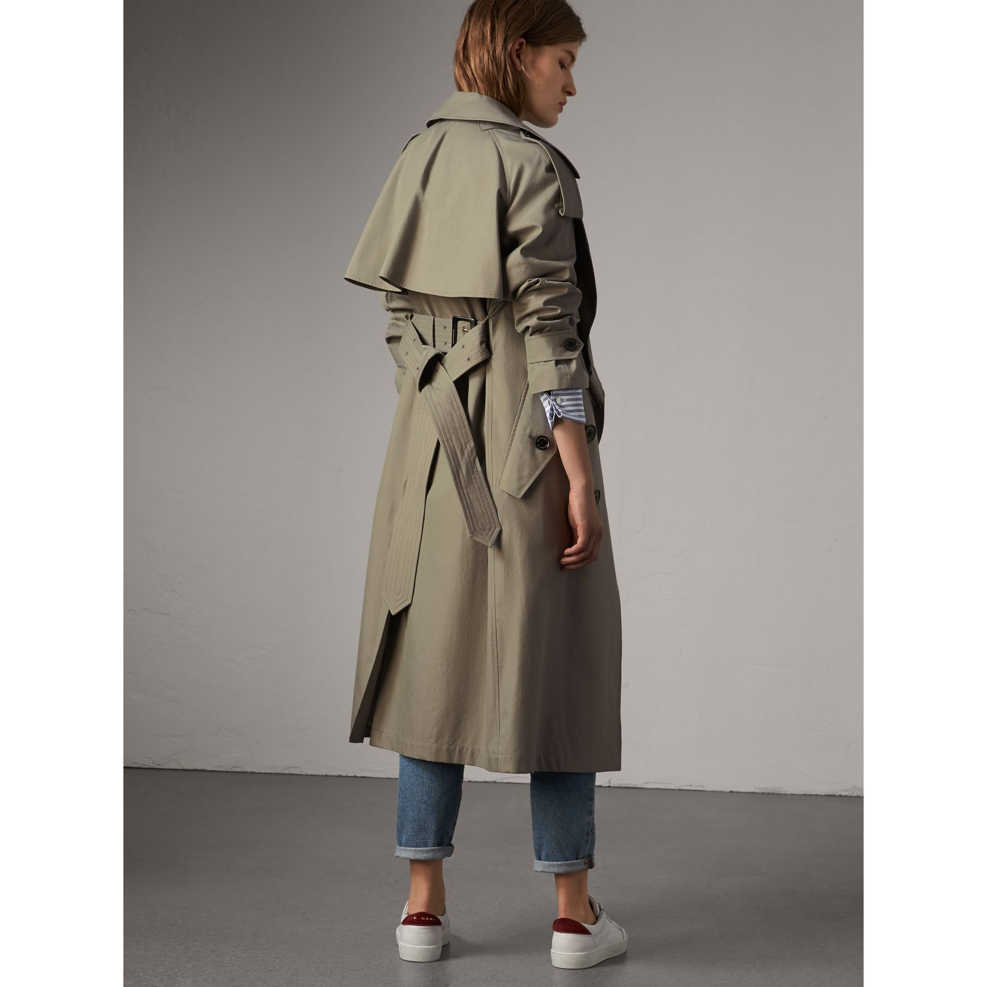 Tropical Gabardine Trench Coat in Slate Green - Women | Burberry Singapore - gallery image 3