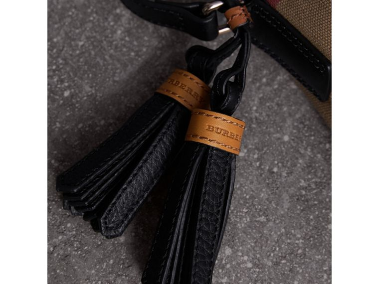 The Ashby piccola con pelle e motivo Canvas check (Nero) - Donna | Burberry - cell image 1