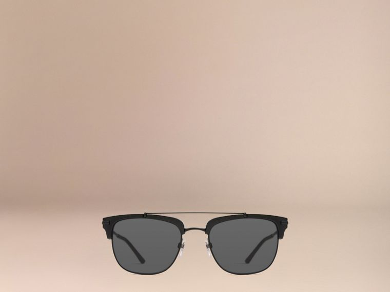 Square Frame Sunglasses in Black - cell image 1