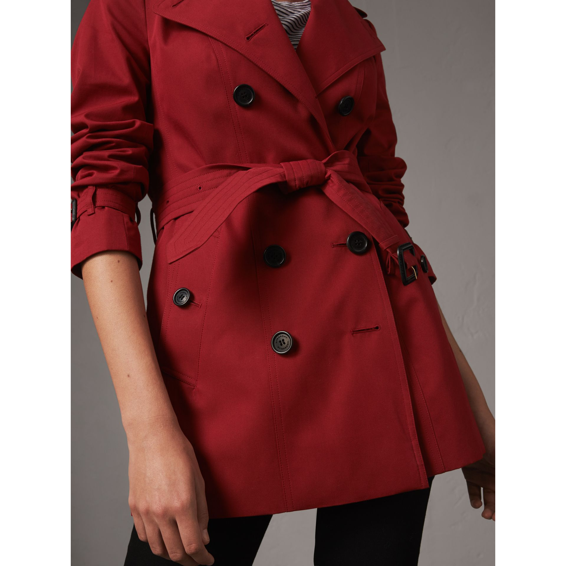 The Sandringham – Short Trench Coat in Parade Red - Women | Burberry - gallery image 5