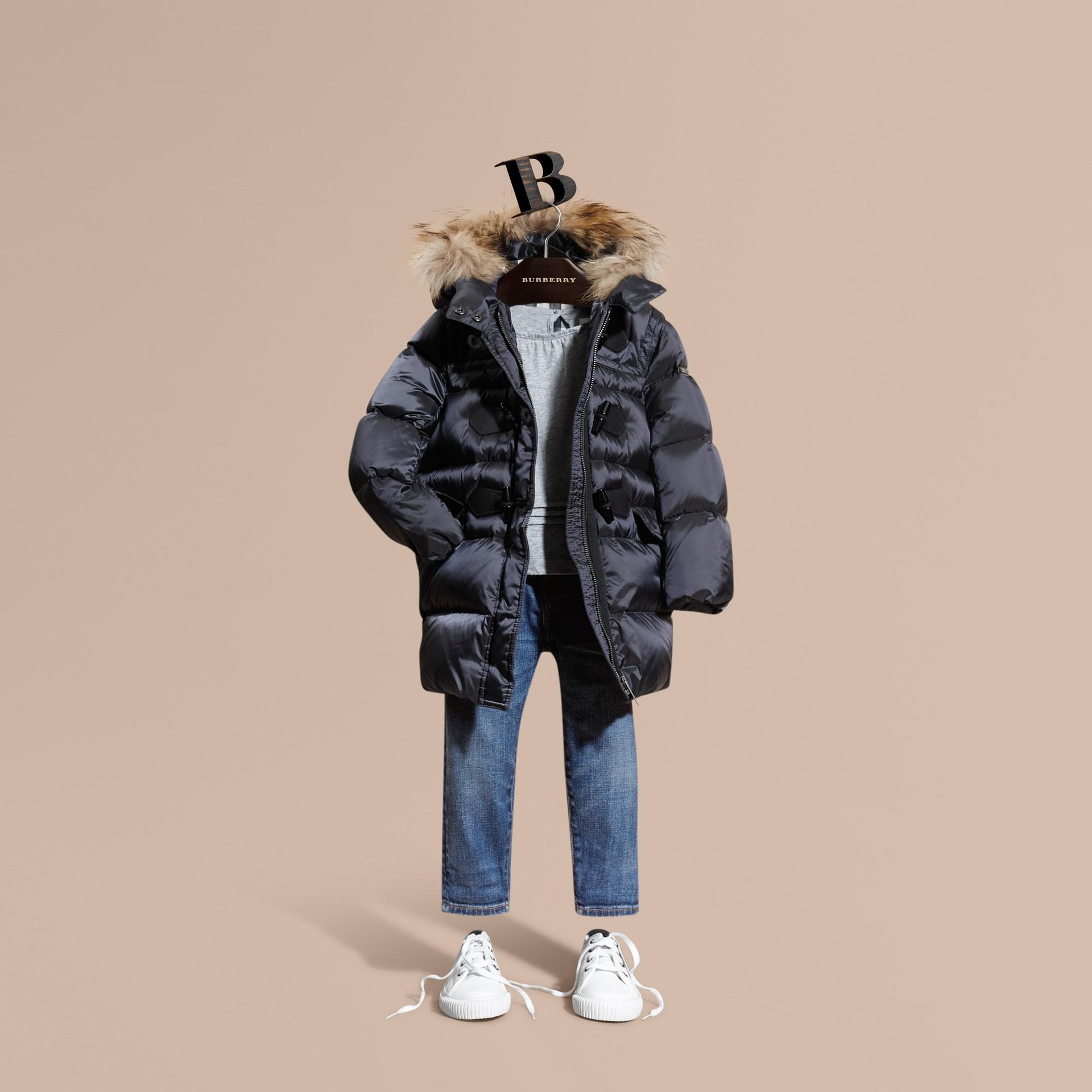 Manteau rembourré à capuche avec bordure en fourrure de raton laveur amovible - Fille | Burberry - photo de la galerie 1