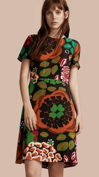 Robe trapèze en soie à imprimé floral