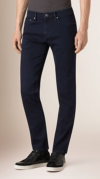 Jean de coupe slim stretch surteint