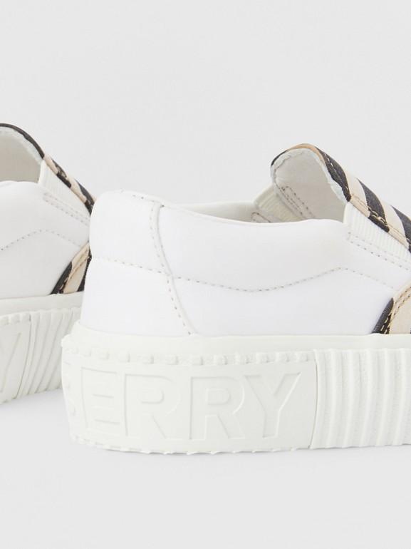 Sneakers sans lacets en coton à rayures iconiques (Beige D'archive) - Enfant | Burberry - cell image 1