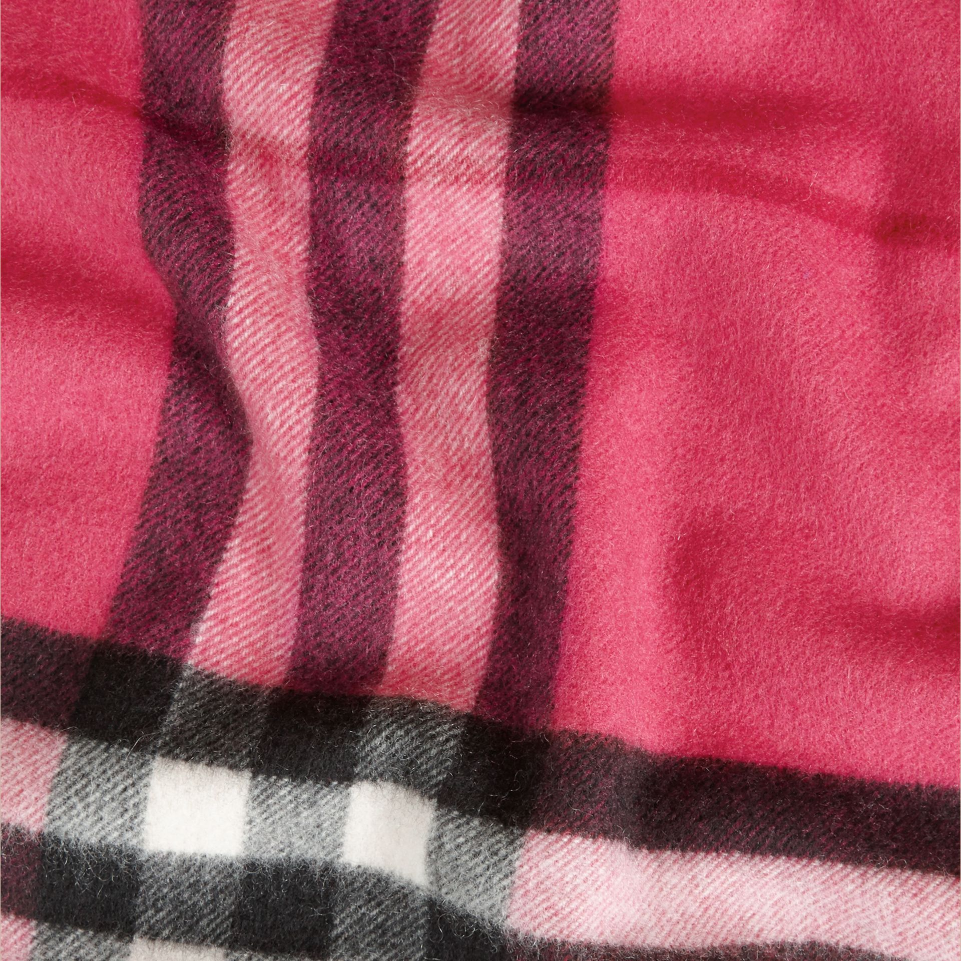 Fuchsia pink The Classic Cashmere Scarf in Check Fuchsia Pink - gallery image 5