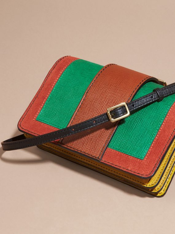 Bright green The Small Buckle Bag in Textured Leather Bright Green - cell image 2
