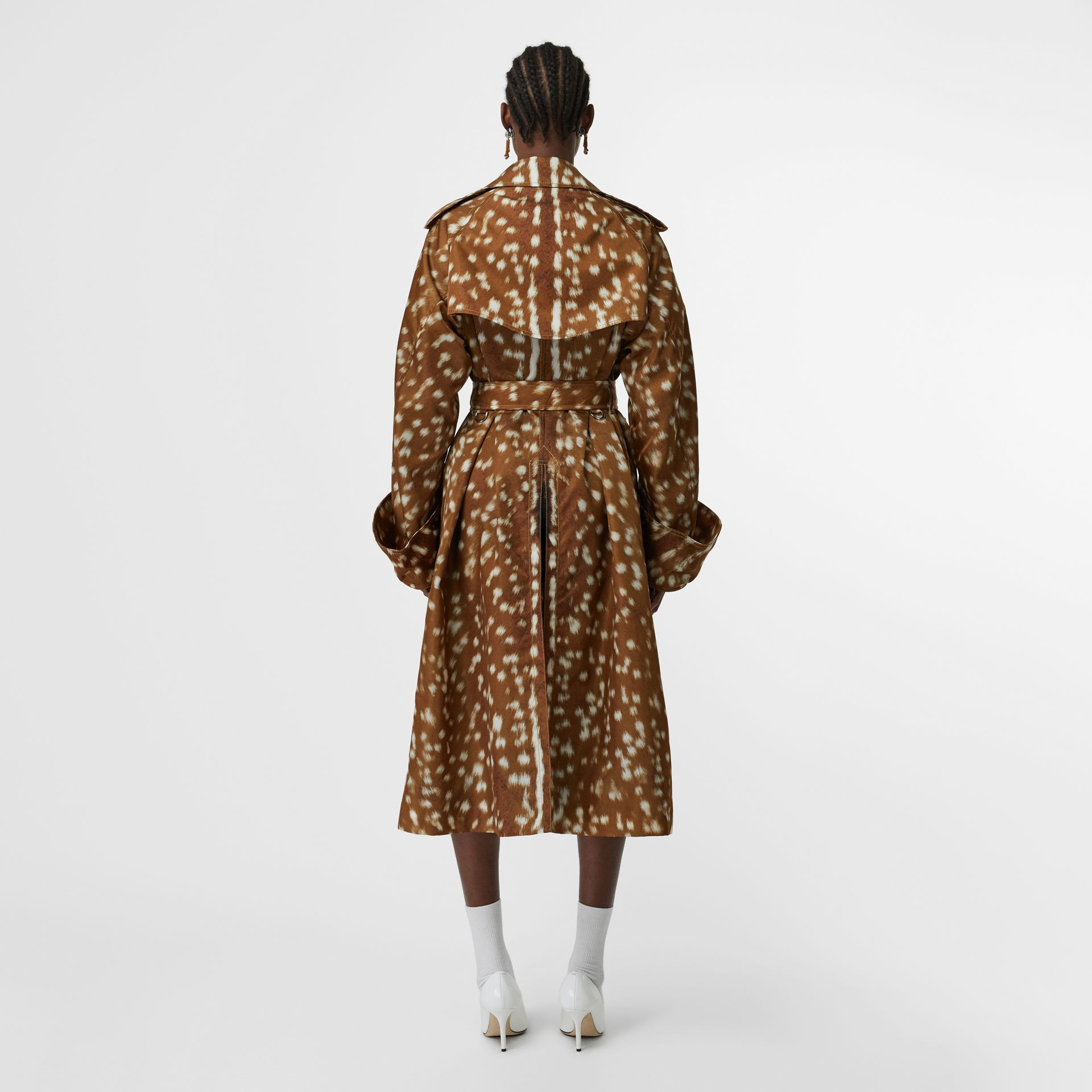 Exaggerated Cuff Deer Print Nylon Trench Coat in Honey - Women | Burberry - gallery image 2