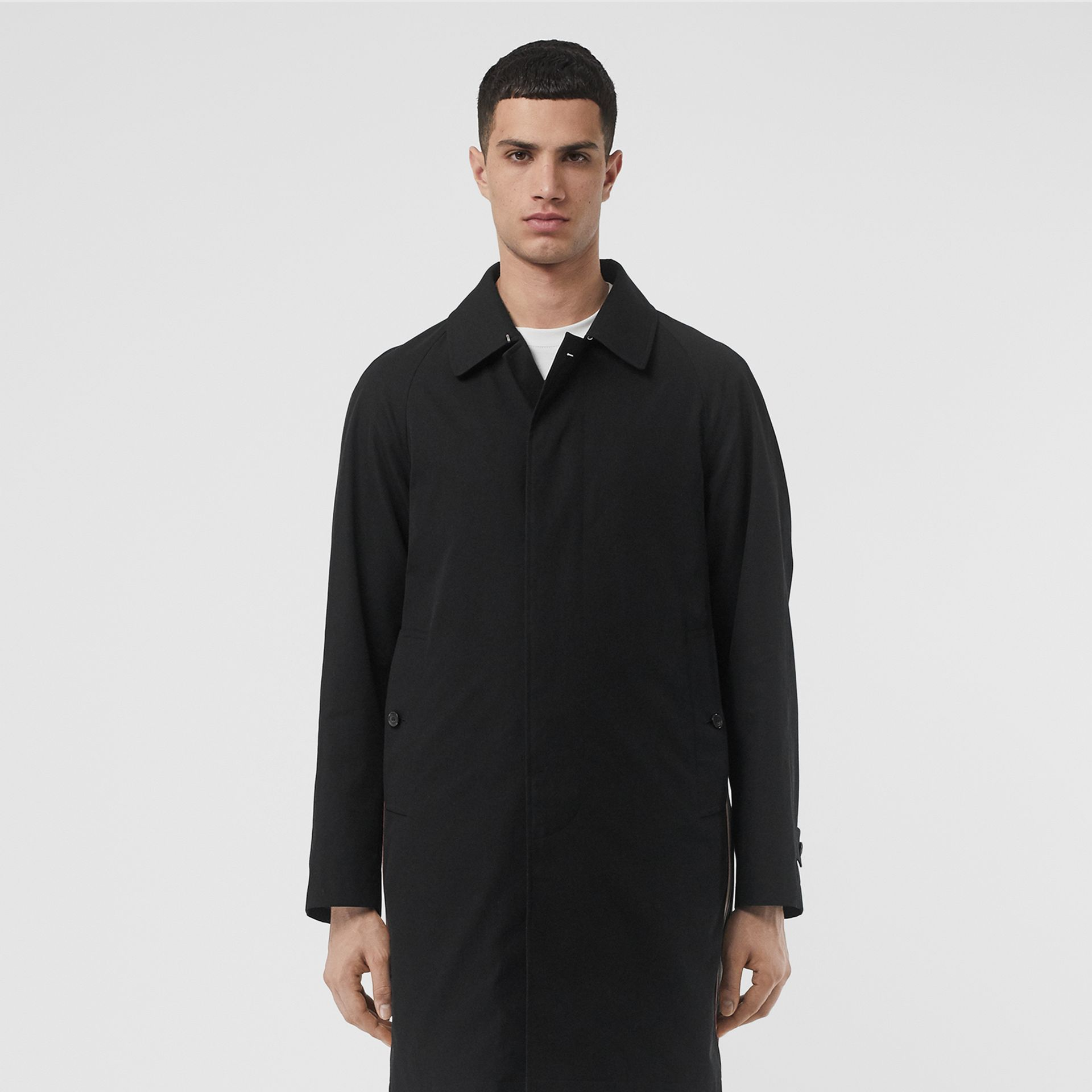 Icon Stripe Detail Tropical Gabardine Car Coat in Black - Men | Burberry - gallery image 8