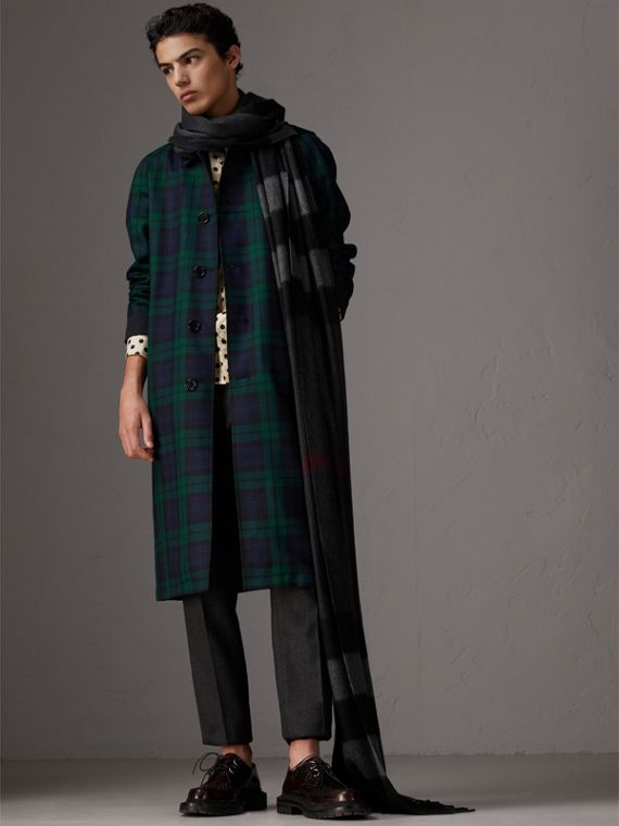 Oversize Check Cashmere Scarf in Charcoal | Burberry Canada - cell image 3