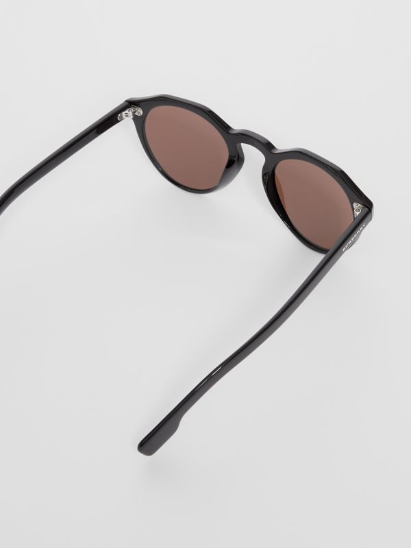 Keyhole Round Frame Sunglasses in Black - Men | Burberry - cell image 3