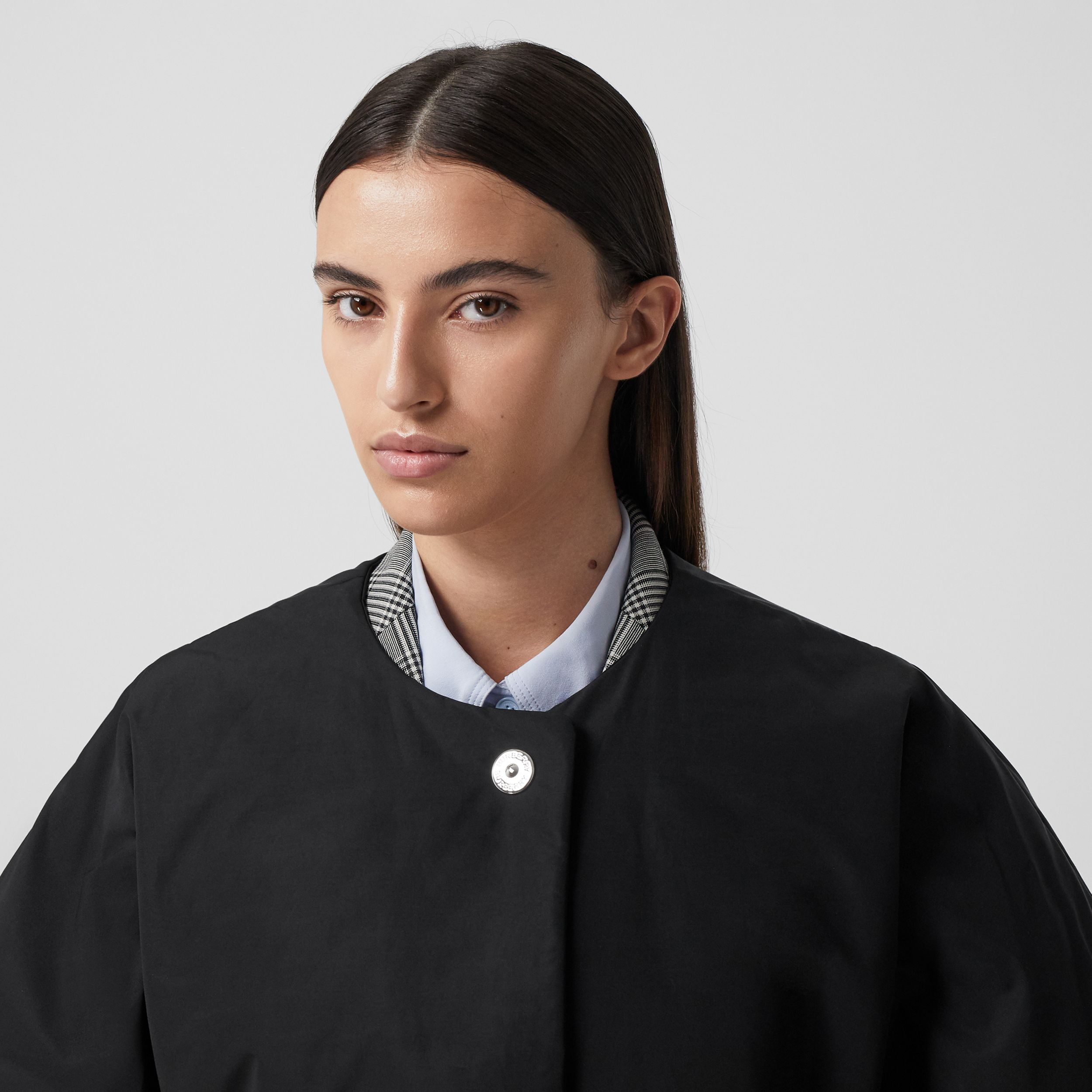 Short-sleeve Technical Cotton Belted Cape in Black - Women | Burberry - 2