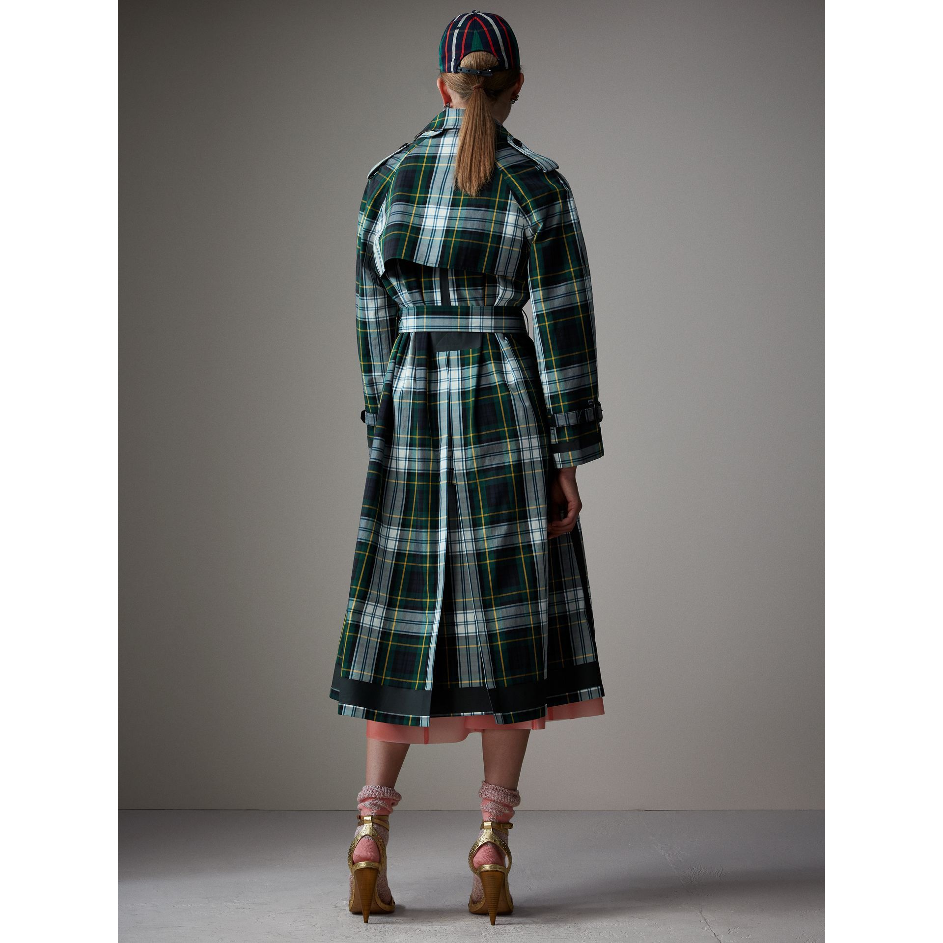 Tartan Cotton Gabardine Trench Coat in Ink Blue - Women | Burberry - gallery image 3