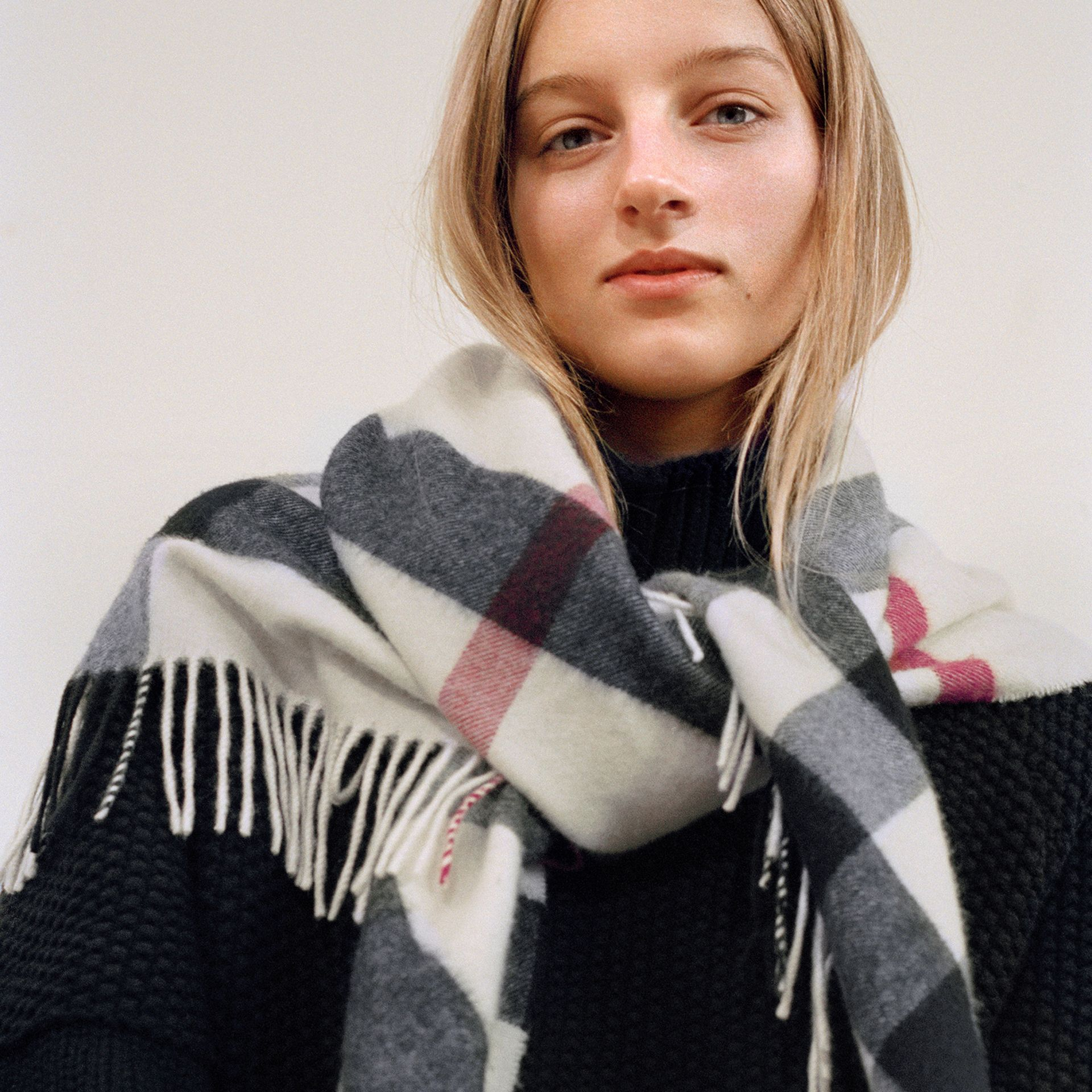 The Burberry Bandana in Check Cashmere in Natural White | Burberry United States - gallery image 4