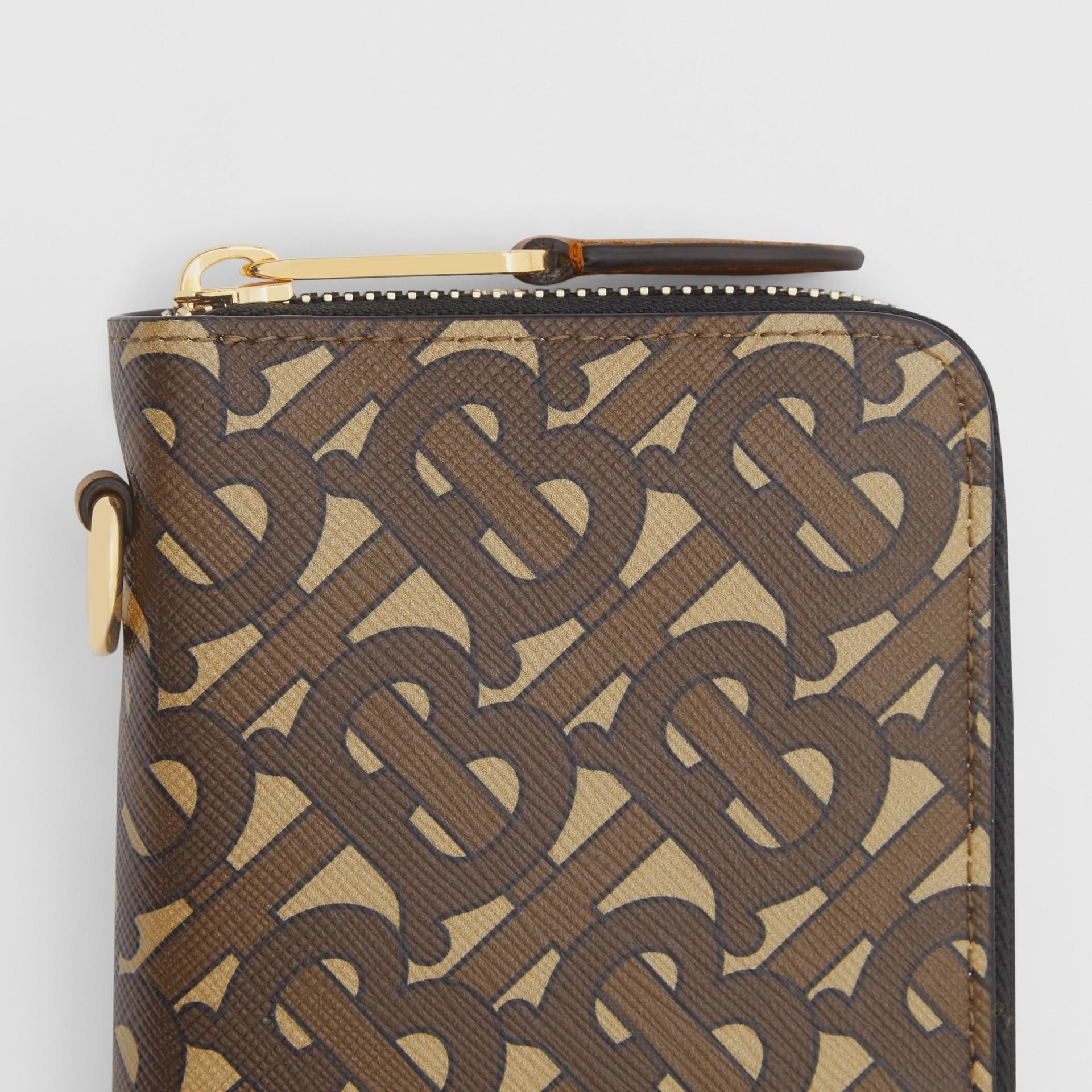 모노그램 프린트 E-캔버스 휴대폰 지갑 (브라이들 브라운) - 남성 | Burberry - 갤러리 이미지 1