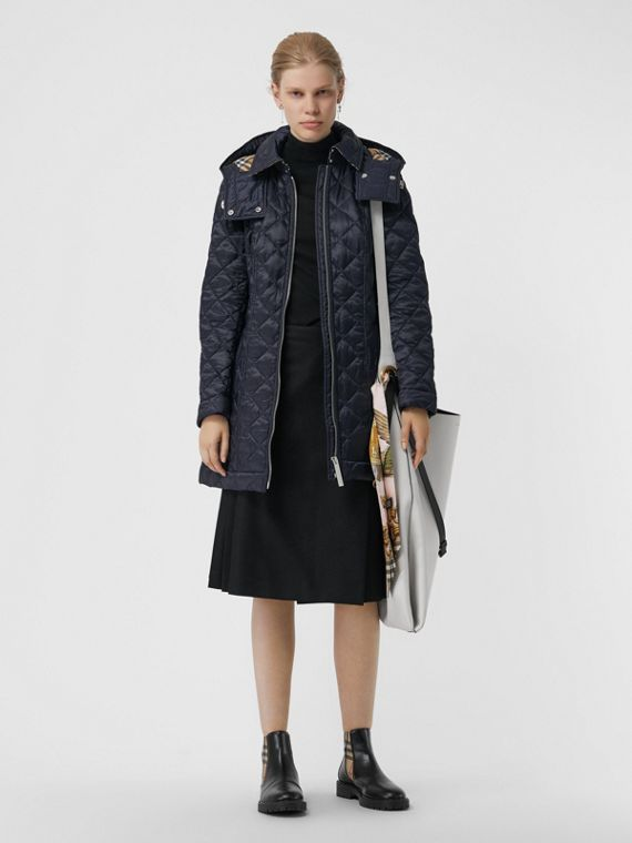Detachable Hood Lightweight Diamond Quilted Coat in Ink