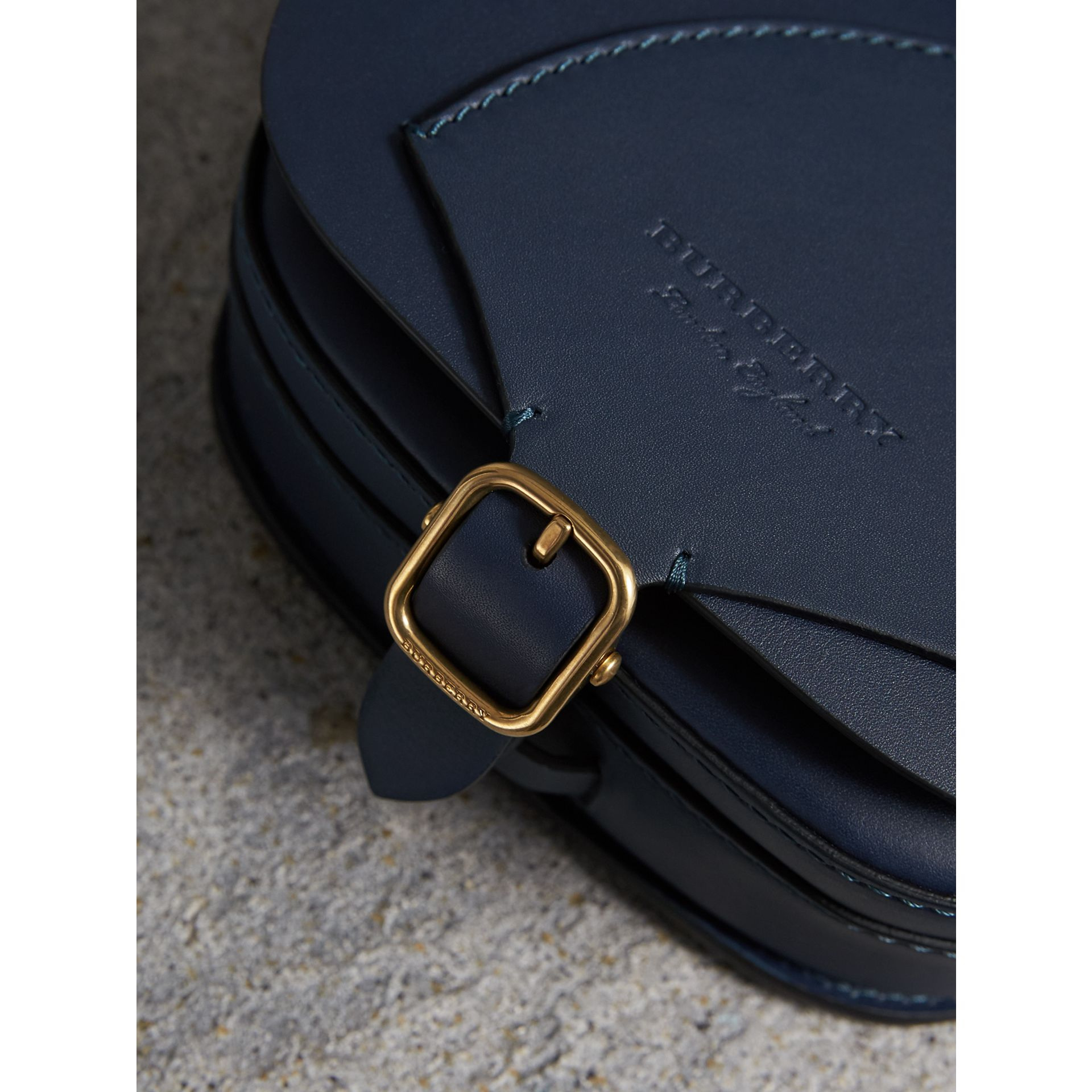Sac The Satchel en cuir (Indigo) - Femme | Burberry - photo de la galerie 1