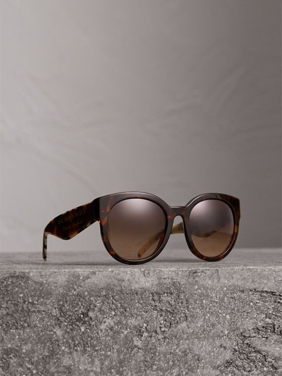 Round Frame Sunglasses in Tortoise Shell