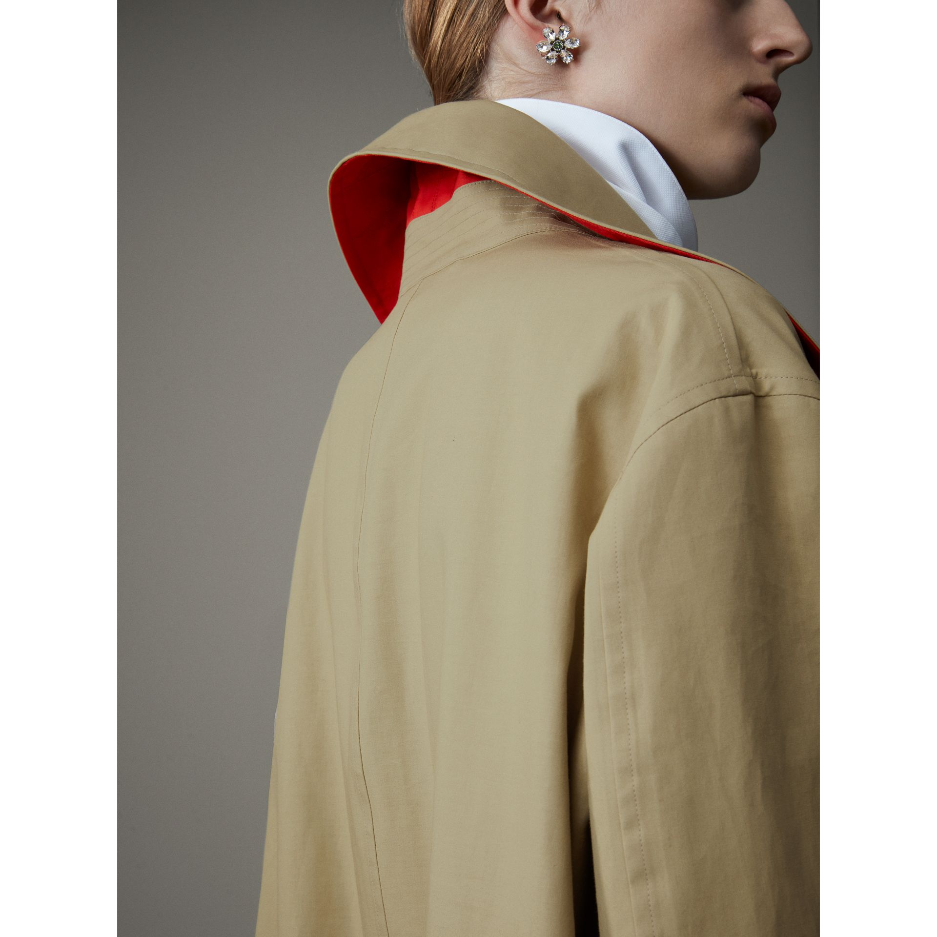 Bonded Cotton Poplin Seam-sealed Car Coat in Beige/red - Women | Burberry - gallery image 5