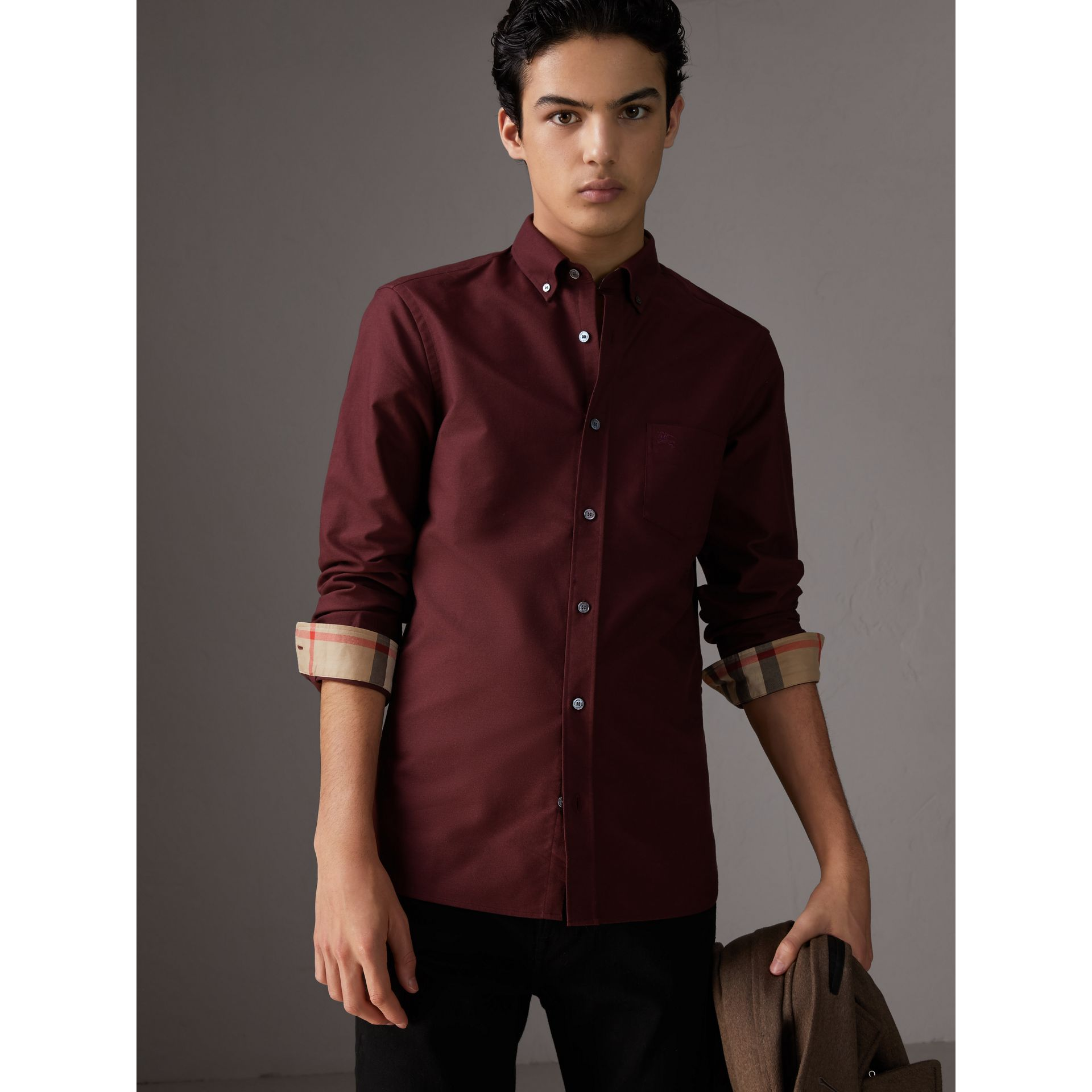 Check Detail Cotton Oxford Shirt in Oxblood - Men | Burberry - gallery image 4