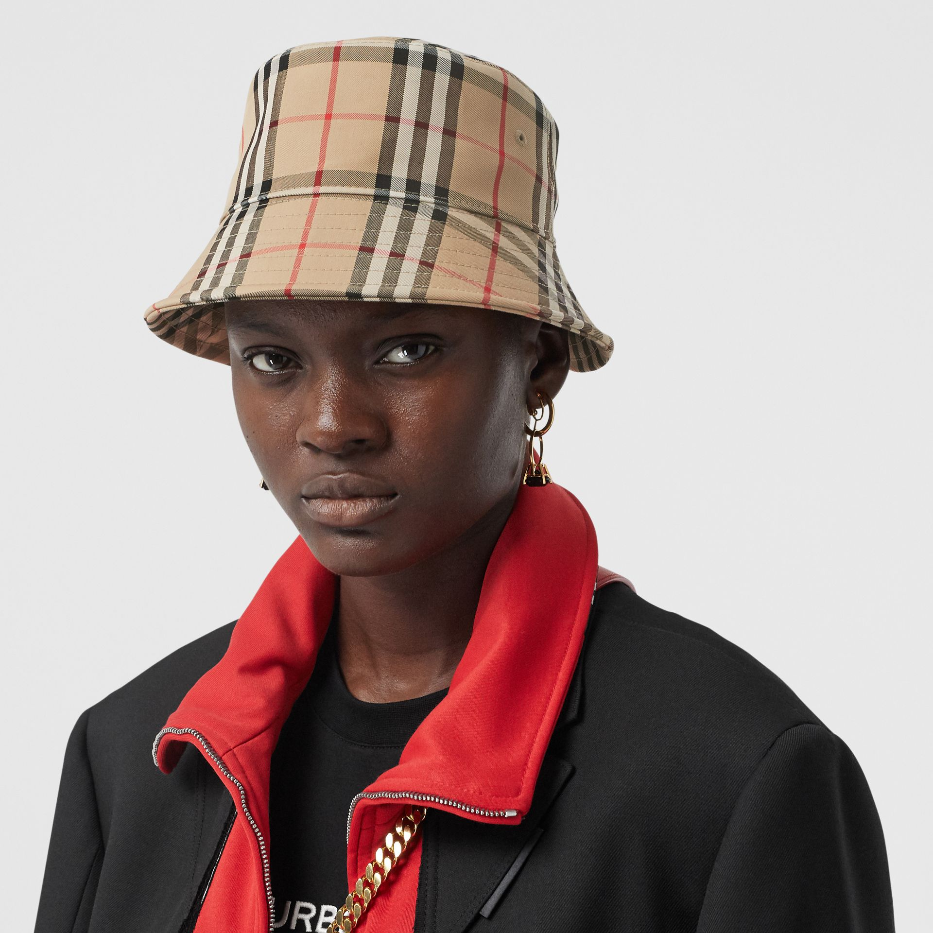 Vintage Check Cotton Blend Bucket Hat in Archive Beige | Burberry Australia - gallery image 2