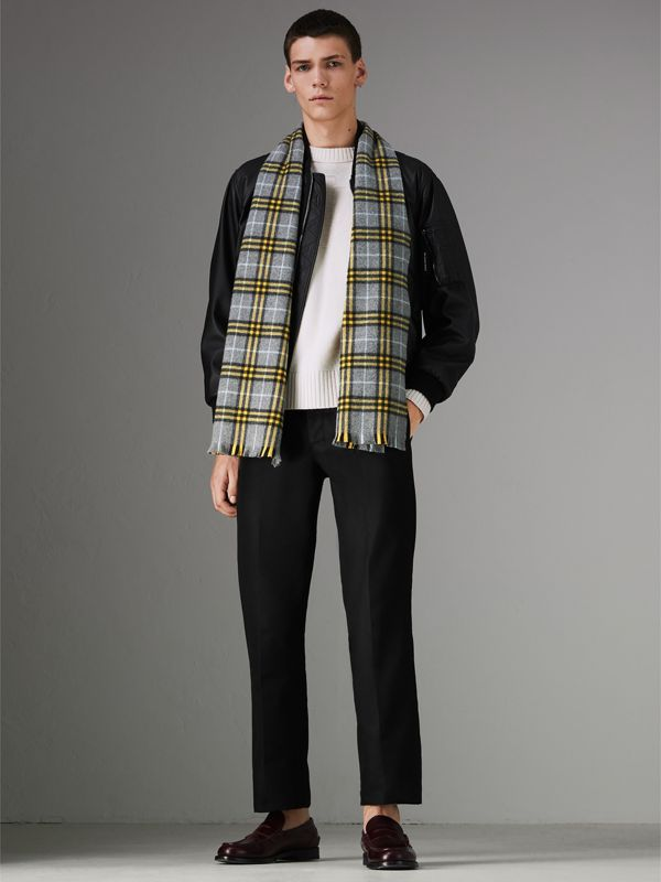 Check Cashmere Scarf in Storm Grey | Burberry United States - cell image 3