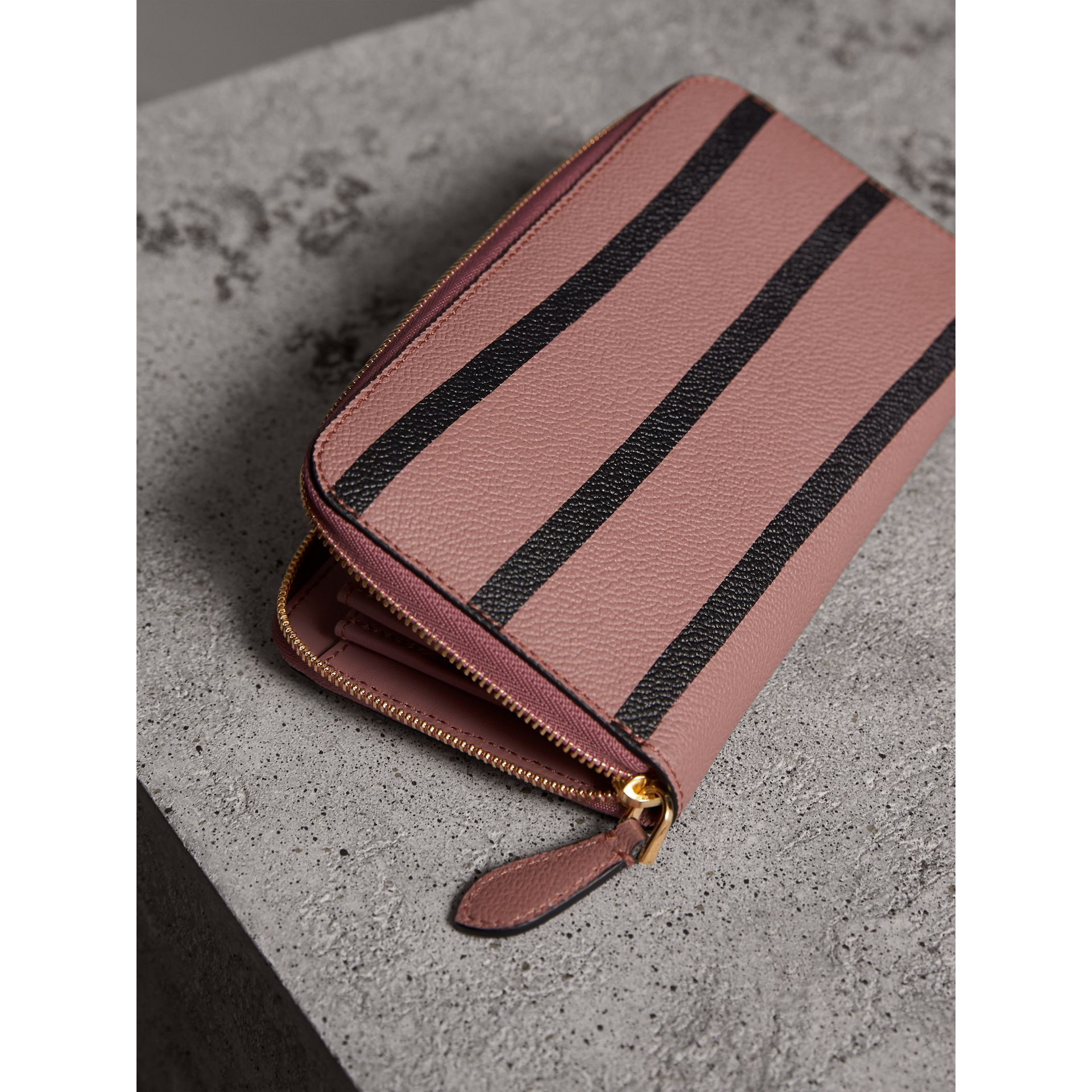 Trompe L'oeil Print Leather Ziparound Wallet in Dusty Pink - Women | Burberry - gallery image 7