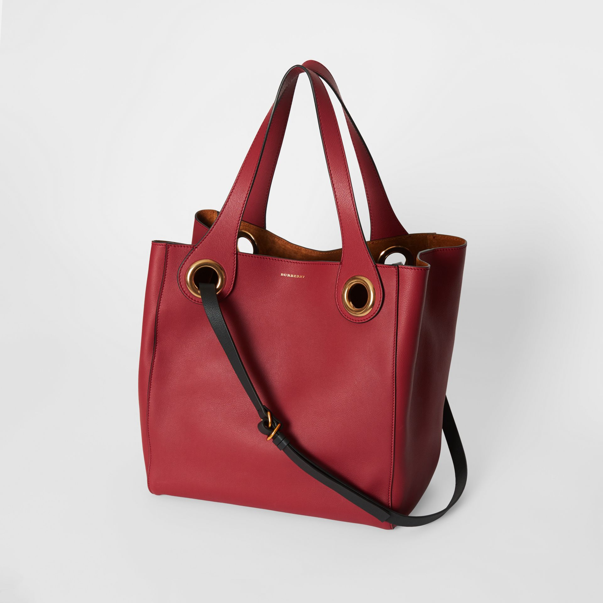 The Medium Leather Grommet Detail Tote in Crimson - Women | Burberry - gallery image 2