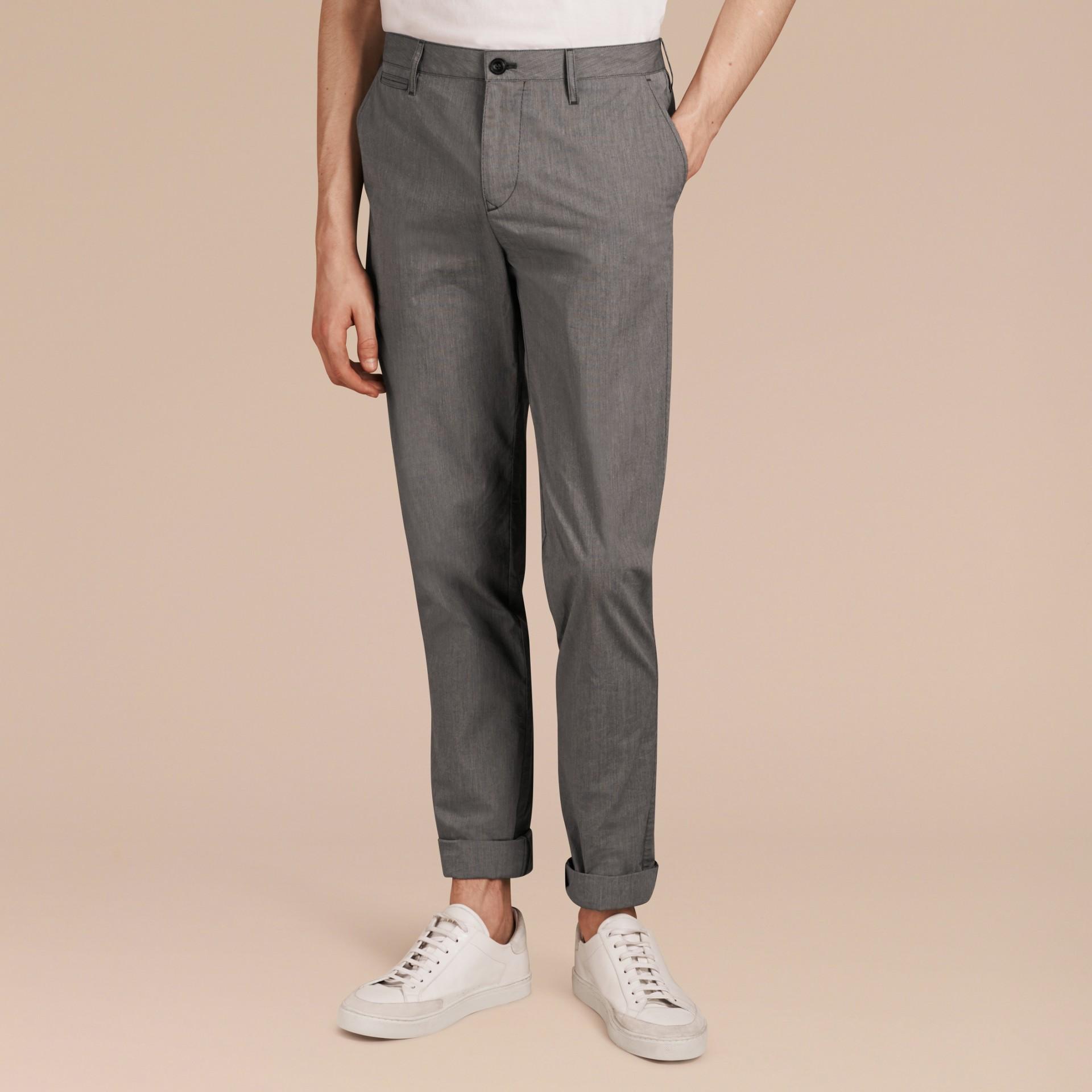 Gris oscuro Pantalones entallados en algodón - imagen de la galería 6