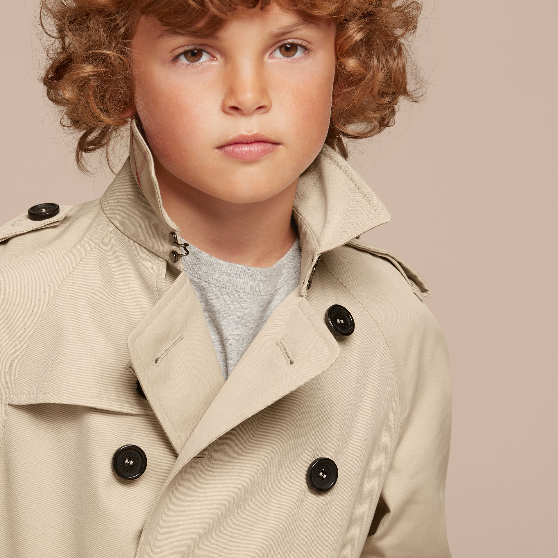 The Wiltshire – Heritage Trench Coat in Stone - Boy | Burberry - gallery image 2