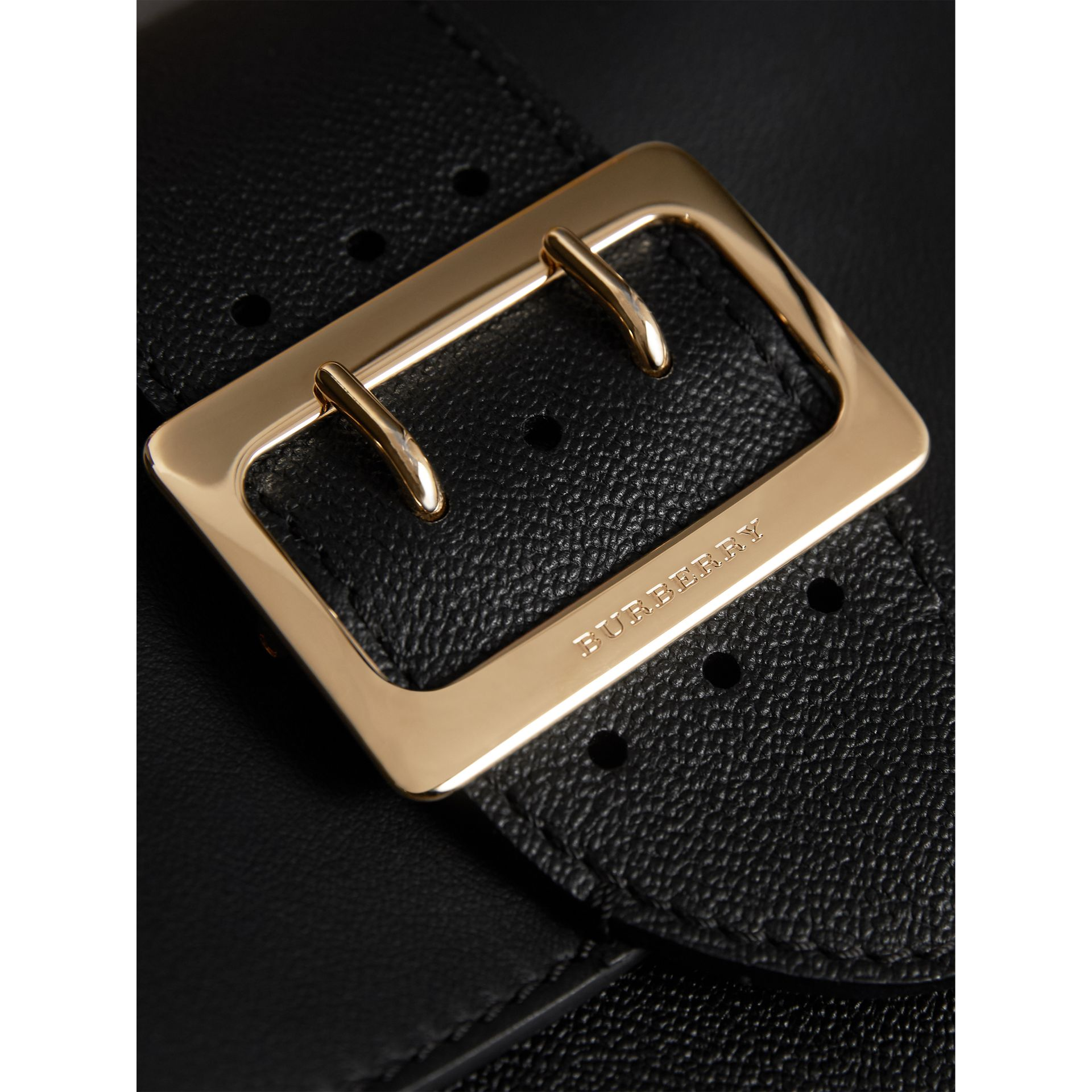 The Buckle Crossbody Bag aus Leder (Schwarz) - Damen | Burberry - Galerie-Bild 2