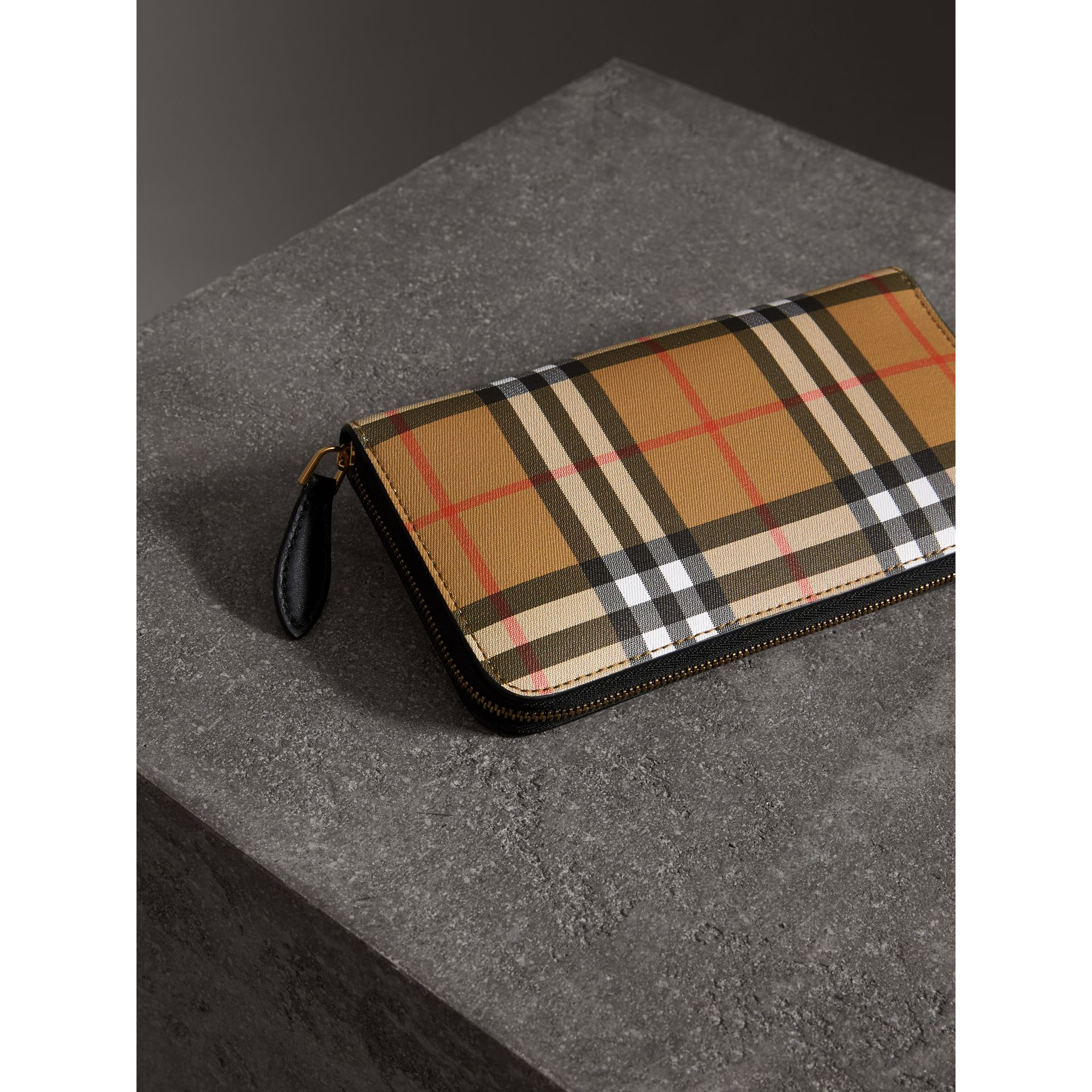 Vintage Check and Leather Ziparound Wallet in Black - Women | Burberry - gallery image 2
