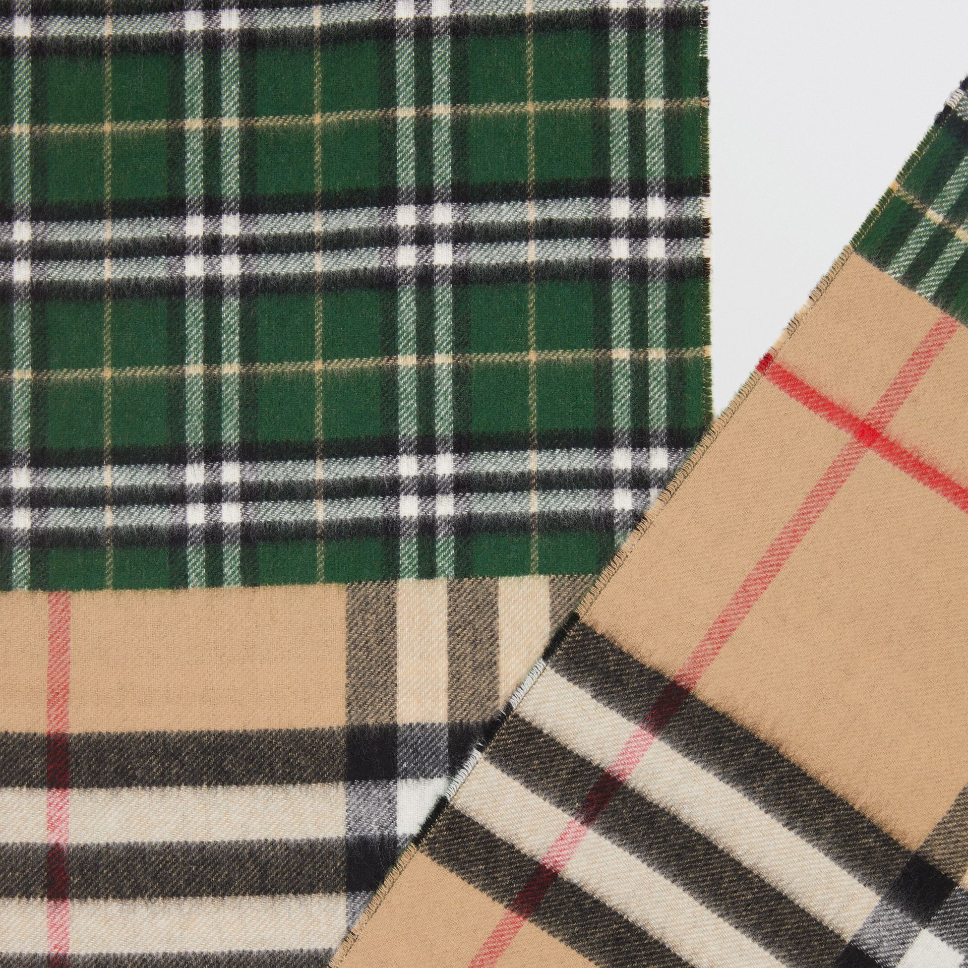 Contrast Check Cashmere Merino Wool Jacquard Scarf in Dark Pine Green | Burberry United Kingdom - gallery image 1