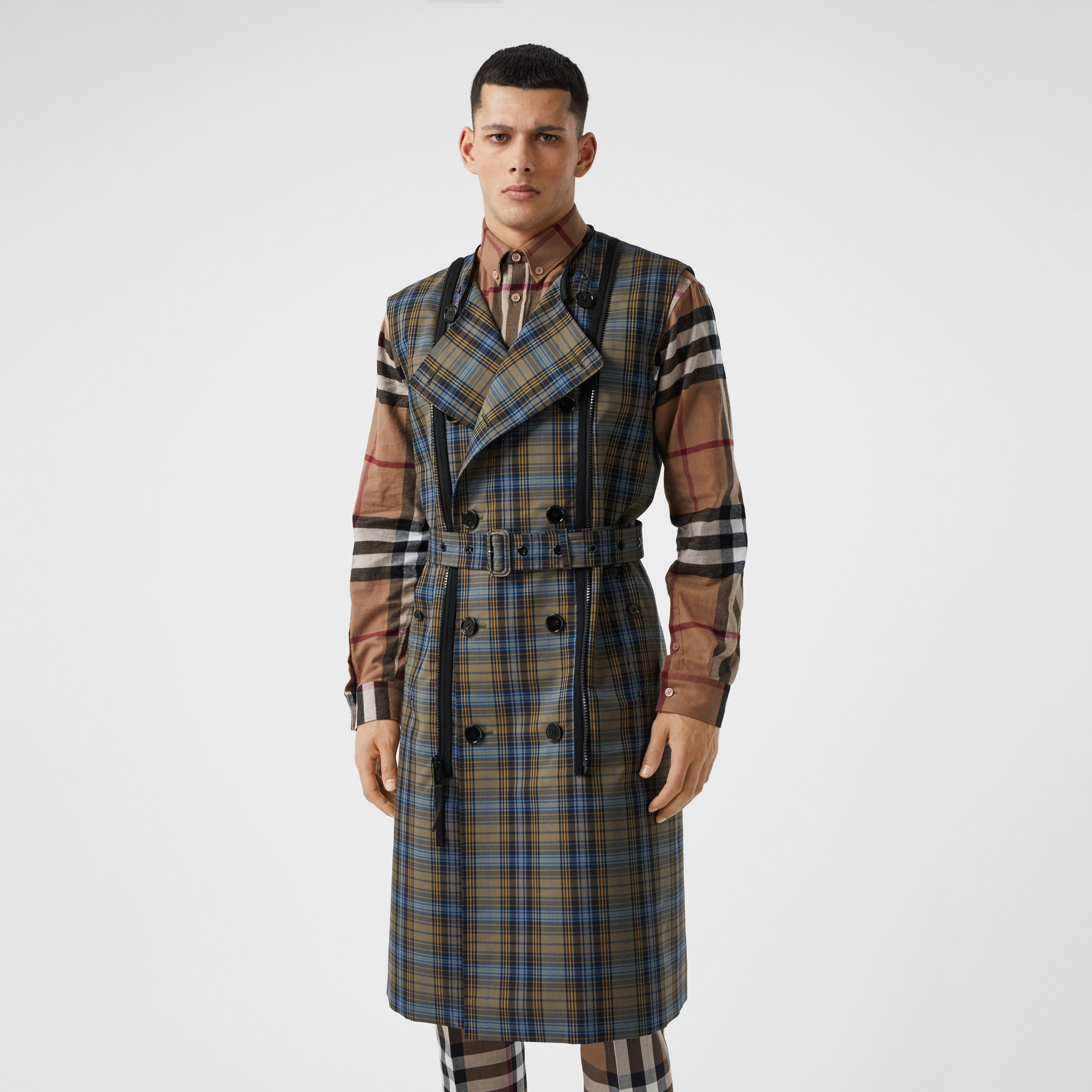 Sleeveless Check Trench Coat With Detachable Puffer in Multicolour | Burberry - 3