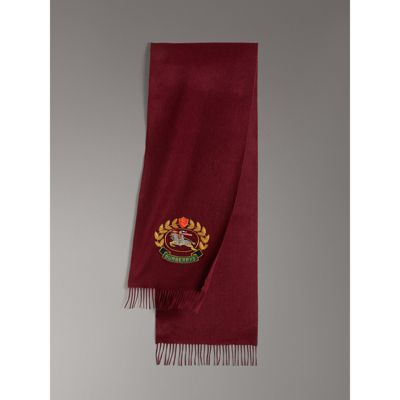 BURBERRY The Classic Cashmere Scarf With Archive Logo in Red