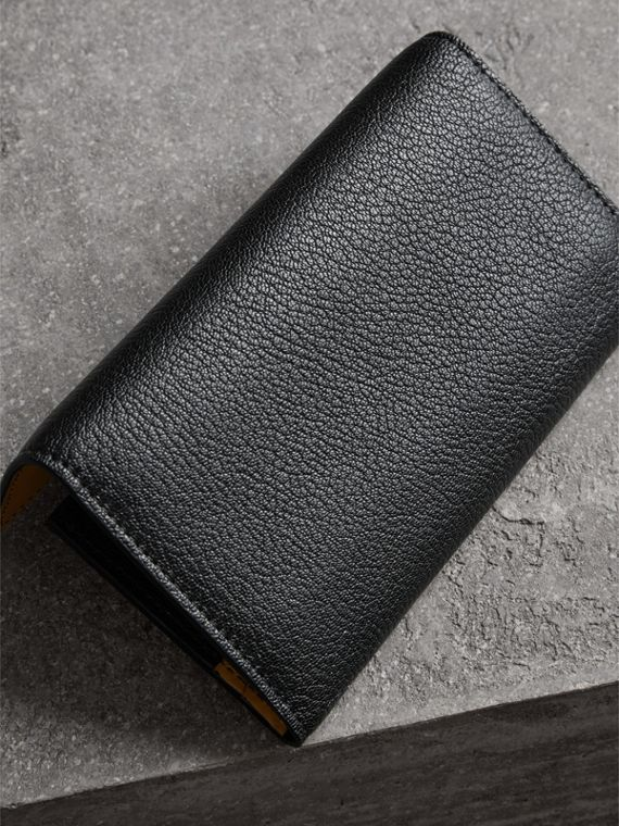 D-ring Grainy Leather Continental Wallet in Black - Women | Burberry United Kingdom - cell image 2
