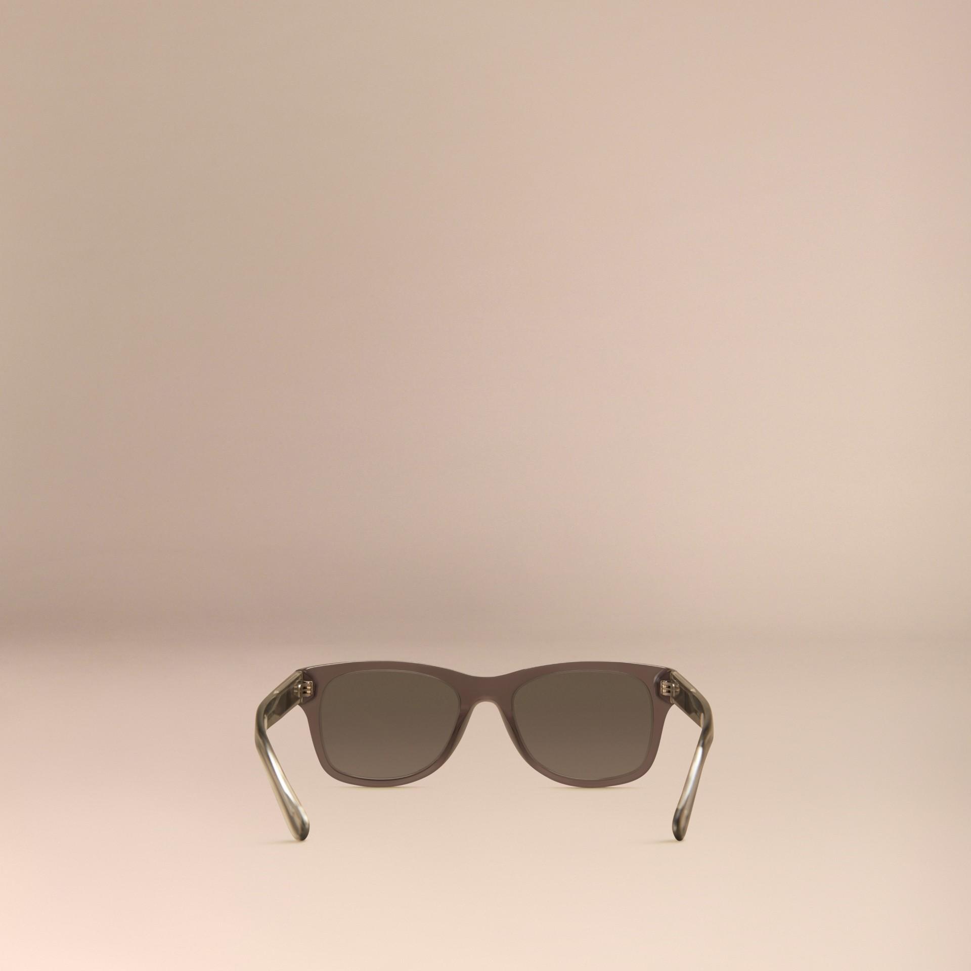 Grigio scuro Occhiali da sole con montatura quadrata e dettaglio check Grigio Scuro - immagine della galleria 4