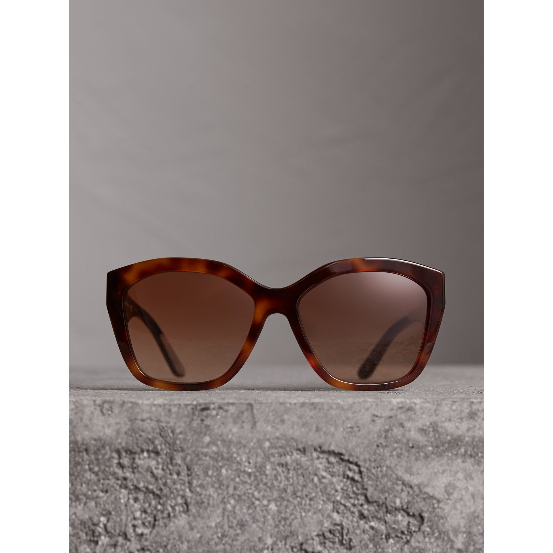 Square Frame Sunglasses in Light Brown - Women | Burberry Singapore - gallery image 3