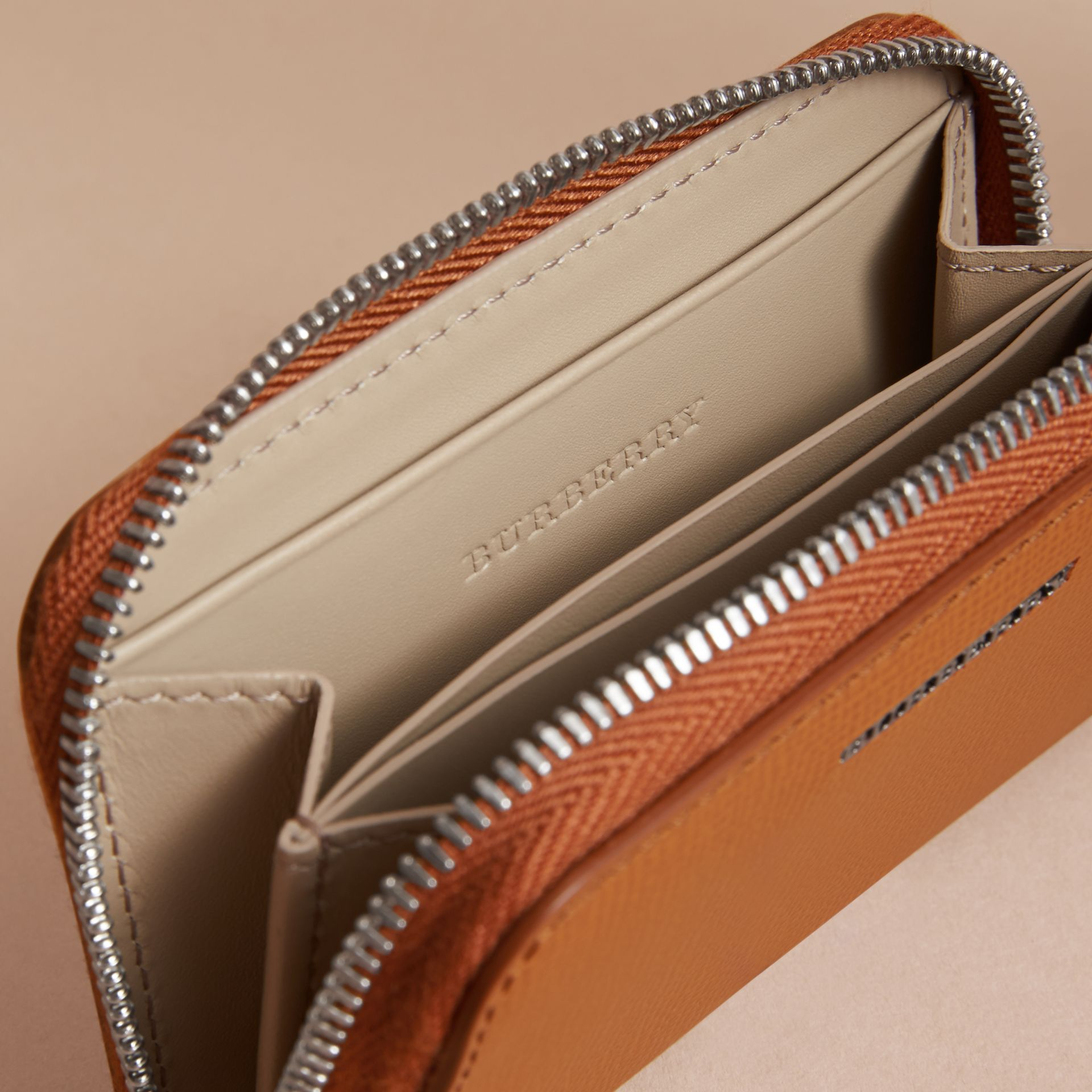 London Leather Ziparound Coin Case in Tan | Burberry - gallery image 5