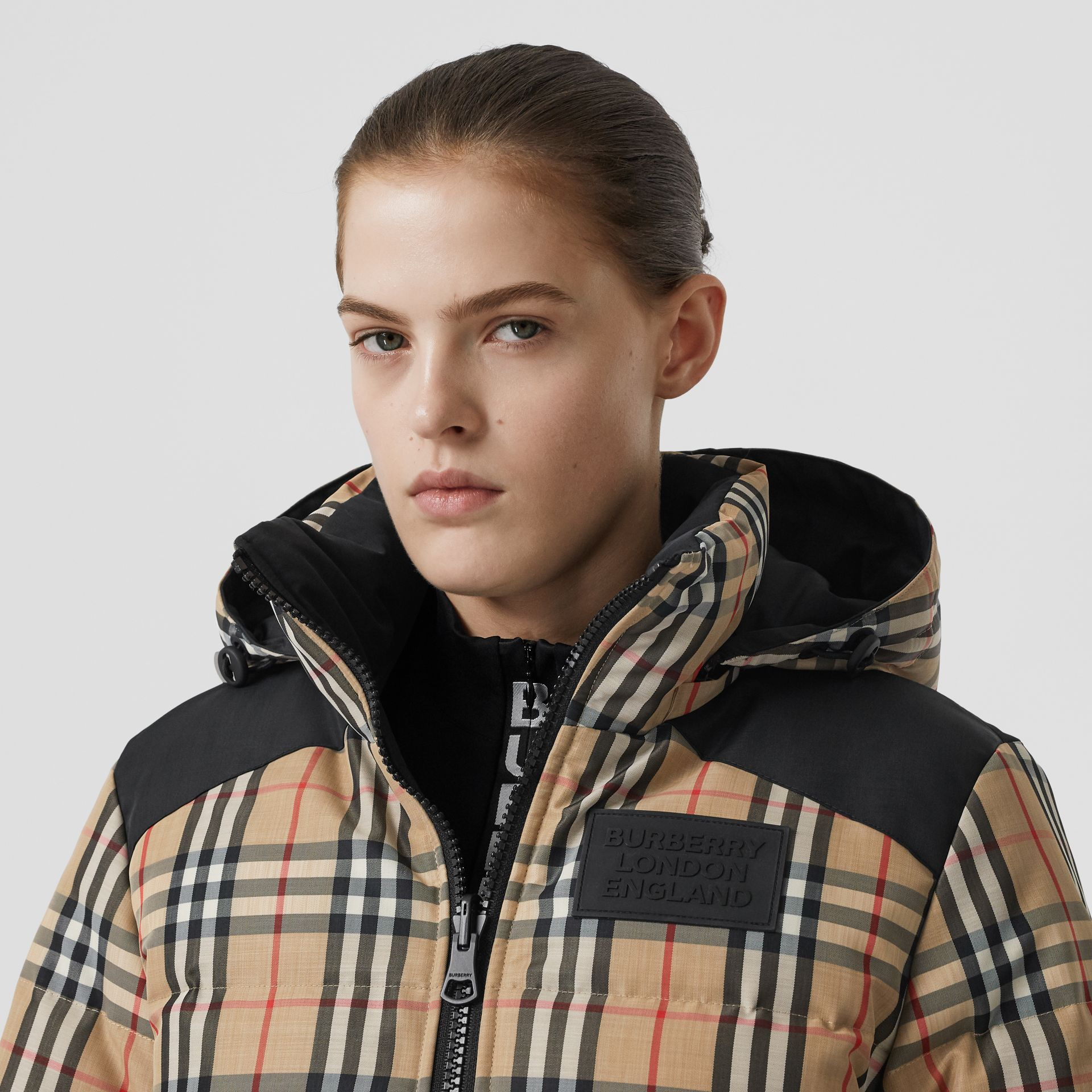 Reversible Vintage Check Recycled Polyester Jacket in Archive Beige - Women | Burberry - gallery image 7