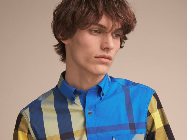 Short-sleeve Check Stretch Cotton Blend Shirt in Bright Canvas Blue - Men | Burberry - cell image 4