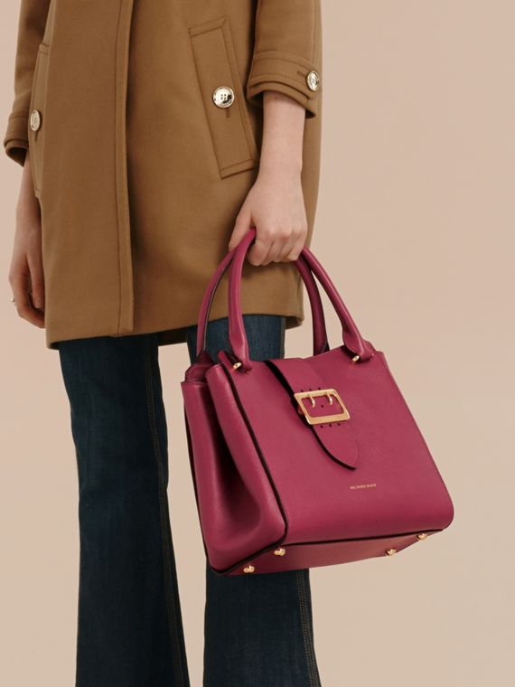 The Medium Buckle Tote in Grainy Leather Dark Plum - cell image 3