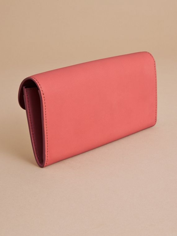 Two-tone Trench Leather Continental Wallet in Blossom Pink/antique Red - Women | Burberry United Kingdom - cell image 3