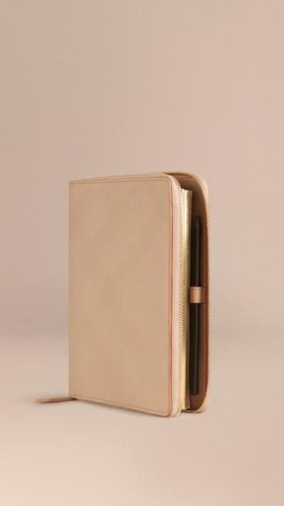 Calepin A5 en cuir zippé avec motif check estampé