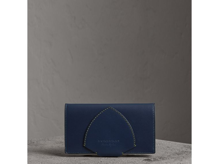 Equestrian Shield Two-tone Leather Continental Wallet in Mid Indigo - Women | Burberry United Kingdom - cell image 4
