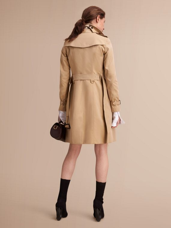 The Sandringham – Long Heritage Trench Coat Honey - cell image 2
