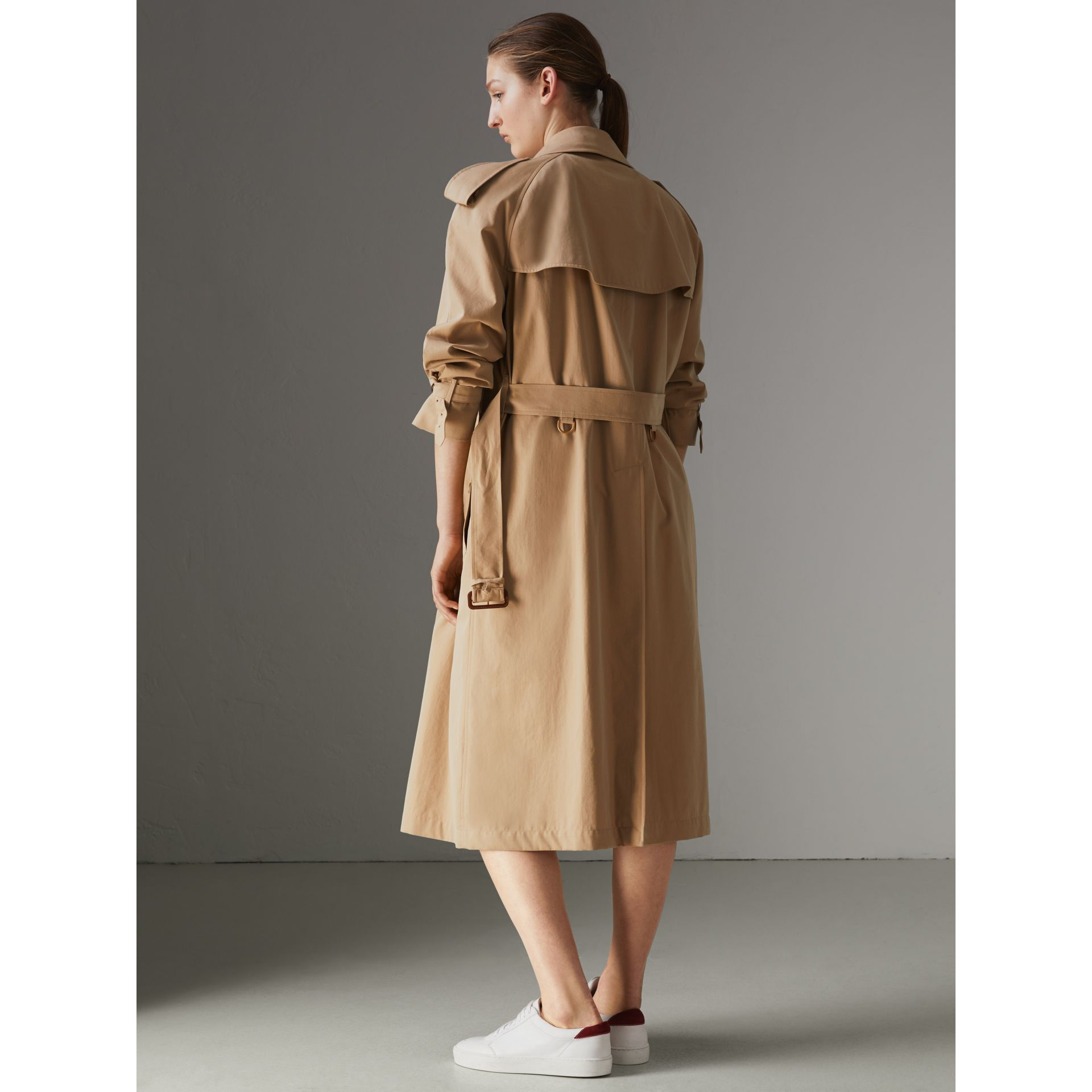 The Long Westminster Heritage Trench Coat in Honey - Women | Burberry - gallery image 2