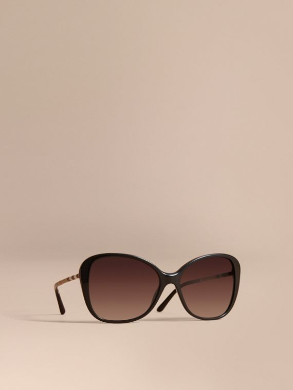 Check Detail Butterfly Frame Sunglasses Black