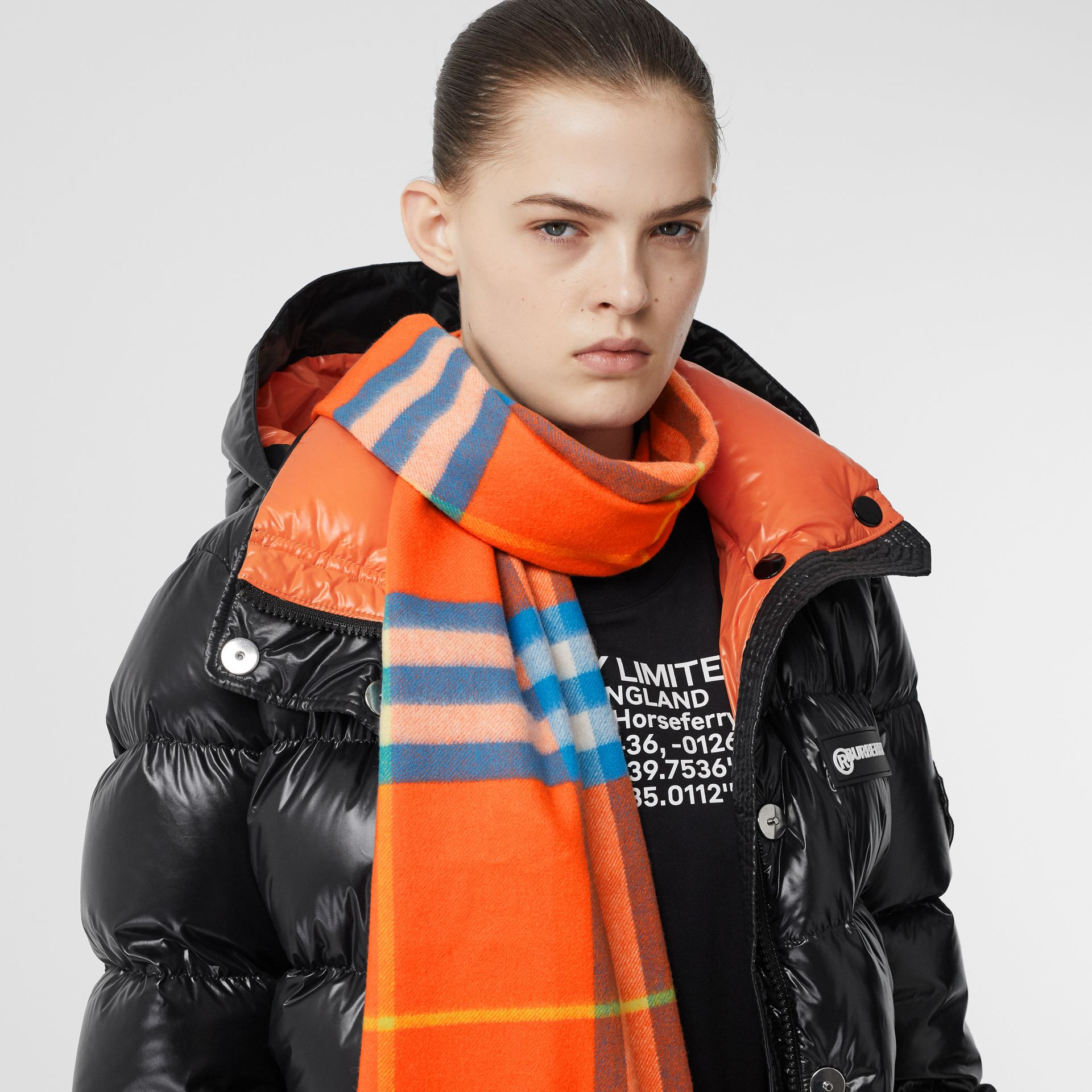 The Classic Check Cashmere Scarf in Bright Vermillion | Burberry United States - gallery image 2